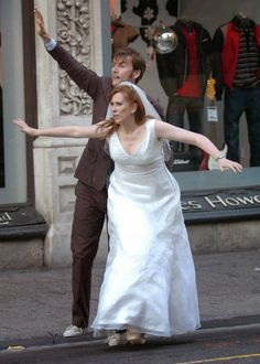 PHOTOS David Tennant Catherine Tate Filming The Runaway Bride In Cardiff ThrowbackThursday