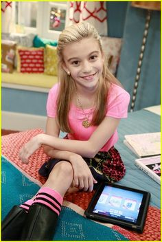 She also starred in Good Luck Charlie as Joe. Cute Little Girls Outfits, Little Girl Models, Cute Girl Dresses, Kids Outfits, Cute Fashion, Girl Fashion, G Hannelius, Dog With A Blog, Disney Channel Shows