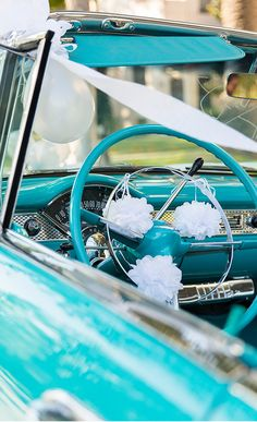 LOVE the color of this antique car!
