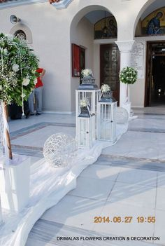 στολισμος γαμου με γυψοφυλλη Church Wedding Decorations, Wedding Inspiration, Wedding Ideas, Kirchen, Weddings, Wedding Dresses, Outdoor Spaces, Mariage, Entryway