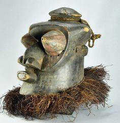 Congo DRC Large KUBA Bwoom helmet Mask Characteristics TYPE OF OBJECT: Mask ETHNICAL GROUP: Kuba COUNTRY OF ORIGIN: DRC Congo (ex Zaïre ex Belgian Congo). MATERIAL: Wood DIMENSIONS: about 15 3/4 inches Statues, Belgian Congo, Art Tribal, Art Premier, Art Africain, African Masks, Country Of Origin, Objects, Wood