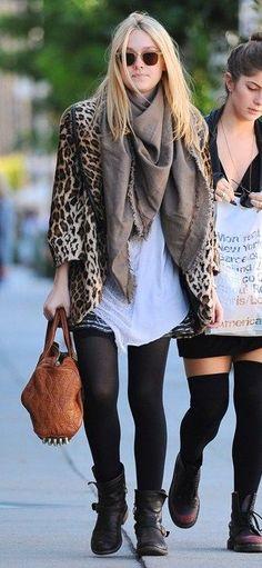 Dakota Fanning Fashion and Style - Dakota Fanning Dress, Clothes, Hairstyle - Page 23