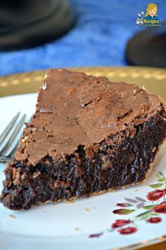 Best Fudge Pie – YUM This Fudge Pie is not a Chocolate Pie, and it is not a Brownie Pie. It is the best gooey Chocolate Fudge Pie with Pecans ever. I am going to teach you how to make this easy fudge pie. Chocolate Fudge Pie, Chocolate Pie Recipes, Fudge Brownie Pie, Homemade Chocolate Pie, Brownies, Homemade Snickers, Hot Fudge Pie, German Chocolate Pies, Chocolate Cobbler