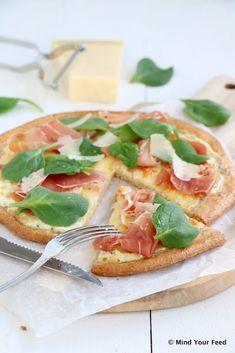 Havermout pizza bianco met Parmaham