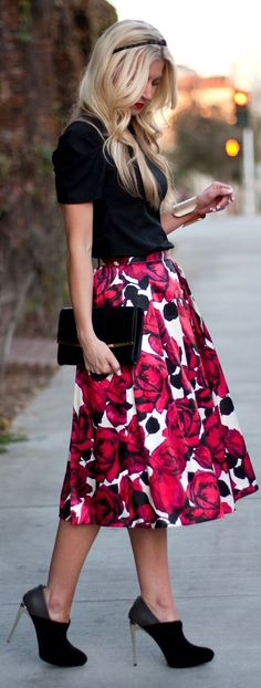 Cute Big Red Roses on Skirt by Elle Apparel