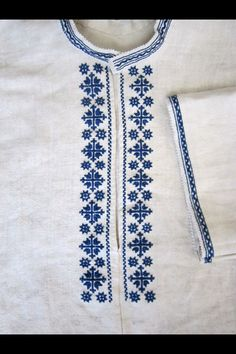 New models Fassi Valjlaba Moroccan… – Shirt Types Embroidery On Kurtis, Hand Embroidery Dress, Chain Stitch Embroidery, Kurti Embroidery Design, Embroidery Neck Designs, Folk Embroidery, Embroidery Suits, Embroidered Clothes, Embroidery Fashion