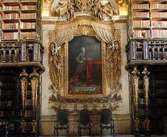BIBLIOTECA JOANINA - É uma biblioteca do século XVIII! situada na Universidade de Coimbra, em Portugal. É conhecida por seu estilo rococó. Possui mais de 70 mil volumes.