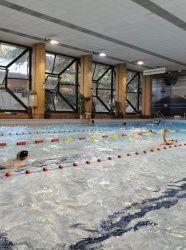 Piscine Dunois - La construction de la piscine Dunois est bien représentative de l'architecture des années 1970 : elle fut bâtie en 1975 par Delage, Tsaropoulos et J.P. Camion. A l'époque, le quartier est en rénovation, et se couvre de tours pour loger une population nombreuse.