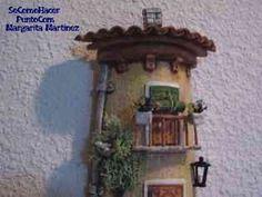 manualidades teja decorada 2 Decorative Tile, Clay Art, 3 D, Decoupage, Diy And Crafts, Clock, Home Decor, Painting On Tiles, Ceramic Painting