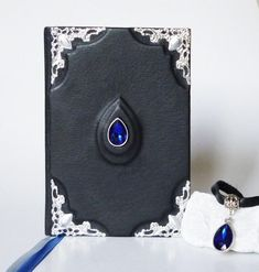 Easy Gifts, Unique Gifts, Handmade Gifts, Leather Necklace, Leather Jewelry, Creative Notebooks, Leather Photo Albums, Handmade Notebook, Amazing Gifts