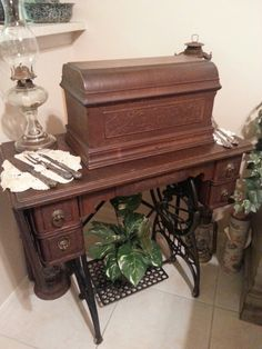 Antique sewing machine ... 1896