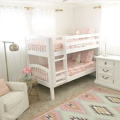 Our bedding will bring sanity to making bunk beds :wink:. Seriously though, isn't this the cutest customer pic with our Vintage Blush ll? Thanks for letting me use it @eringentrydesign :two_hearts::two_hearts: