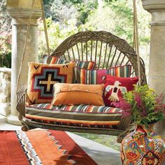 16 Recycled Outdoor Wood Furniture Ideas | NewNist