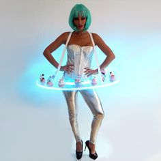 Animation Candy Girl - serveuse plateau thème Futuriste www.evenis.fr Space Girl Costume, Girl Costumes, Futuristic Costume, Animation, Disney Princess, Disney Characters, Aesthetics, Tech, Image