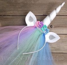 CELESTIA UNICORN PRINCESS PONY HEADBAND w/ tulle veil This adorable handmade headband is adorned with silk flowers and rhinestones. The ears are made of felt and are curved to add dimension. The sparkly felt unicorn horn is an amazing 6 tall, and wrapped Unicorn Birthday Parties, Birthday Party Favors, Girl Birthday, Princess Birthday, Birthday Cakes, Birthday Gifts, Costume Halloween, Diy Costumes, Halloween Diy