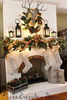 Decorare il camino per Natale! 20 idee a cui ispirarsi…