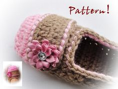 Etsy の Delicious Crochet Slippers Pattern by LovelyPatterns
