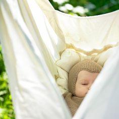 6 vugger der kan hænge - og svinge baby til ro Baby Hammock, Our Baby, Bassinet, Barn, Hammocks, Kids, Design, Young Children, Crib
