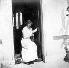 Grã-duquesa Tatiana Nikolaevna, em Livadia, 1914.  Grand Duchess Tatiana Nikolaevna, in Livadia, 1914.