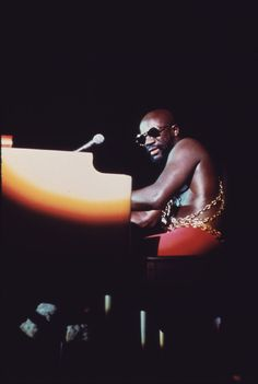 Isaac Hayes at Chicago's International Amphitheater, October 1973