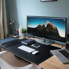 Superbe Office Desk, Monitor And Chair