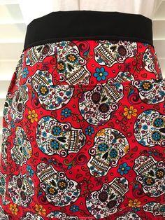 Day of the Dead Apron / Dia de los Muertos / Half Apron with Pockets / Halloween Apron / Sugar Skulls apron / teacher apron / Spanish teacher gift / Halloween apron