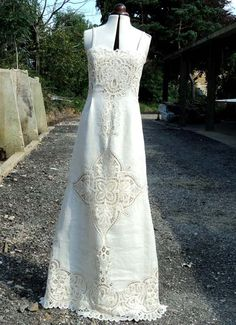 Vintage 1940's Lace Dress...Beautiful Deep Cream Lace and Linen ...