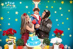 """A festa do Pedro foi linda demais!!!! Com muitas exclamações mesmo!! A mamãe do Pedro tentou fechar comigo no ano passado, mas infelizmente nossas agendas não bateram!! Então o Pedro tinha que ser """"meu"""" este ano!! Eu só tenho a agradecer por toda a confiança e carinho que a Amanda me recebeu para registrar este ... Little Prince Party, The Little Prince, Prince Birthday, Birthday Parties, Birthday Cake, Party Time, Birthdays, Lucca, Merida"""