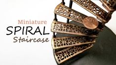 DIY Faux Metal Spiral Staircase from a Fan: The Captains Quarters Miniature Rooms, Miniature Fairy Gardens, Doll House Crafts, Doll Houses, Doll House Flooring, Barbie Bathroom, Diy Exterior, Doll Furniture, Dollhouse Furniture