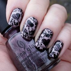 """Valentine's Day nail art with Lina nail stamping plate """"Make Your Mark-01""""  China Glaze """"No Peeking!""""  Stamped with Mundo de Unas """"Old Pink"""""""
