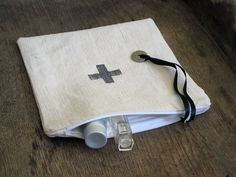 Zip pouch Cross French antique Hemp linenbeige by FrenchMelody