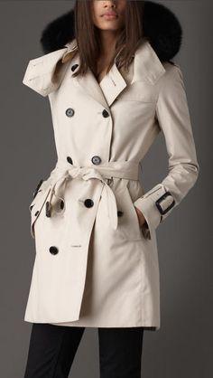 LOVE !!   Mid-Length Hooded Cotton Poplin Trench Coat