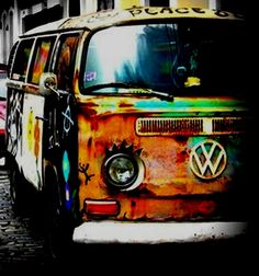 hippie volkswagon. Would it be weird that I want to drive this all over the country? Write my stories and travel with my dogs. That's what I want .