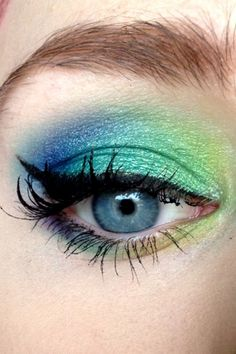 Blue and green eye shadow