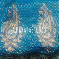 Zari, kundan and Resham embroidery on dupatta.  #gharara #ghararastudio #ghararastudiobyshazia #dupatta #zari #kundan #resham #handcraft #embroidery #bride #bridal #marriage #muslimbride #chunni #orderonline #partydress #wedding #weddinggharara #weddingdress #fashion #fashionable #fashionblog #fashiongirl #instafashion #fashiongram #fashionshow #fashiondiaries
