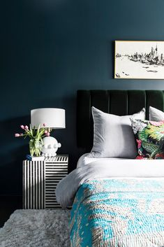 This Eclectic Home Will Inspire Your Next Decor Decision (and Vacation) (domino) Home Living, My Living Room, Clean Living, Contemporary Bedroom, Modern Bedroom, Eclectic Bedrooms, Trendy Bedroom, Earthy Bedroom, Modern Contemporary