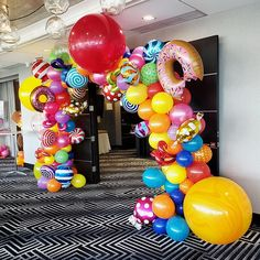 Candy Theme Birthday Party, Candy Land Theme, Birthday Party Decorations Diy, Rainbow Birthday Party, Balloon Decorations Party, Candy Party, 2nd Birthday, Vanellope Y Ralph, Balloons