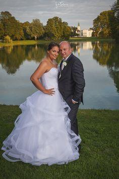 Tóparti esküvői képe Martonvásárról