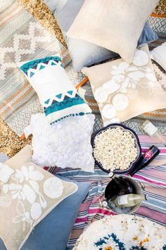 Outdoor movie party idea with bohemian decor on @thouswellblog