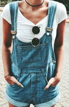 Overalls make the most perfect and trendy summer outfits! #beautyfashion #FashionTrendsDIY