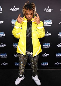 Rapper Juice Wrld Height Weight Body Measurements Shoe Size Age Stats Facts are given in this article along with his family wiki, hair eye color, biography, nationality and girlfriends details. Hip Hop, Death Race, Trippie Redd, American Rappers, British Rappers, Young Thug, Billboard Music Awards, Height And Weight, Trap