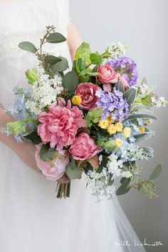 ピンクピオニー カラフル ナチュラル クラッチブーケ_04 Diy Wedding Bouquet, Bridesmaid Bouquet, Floral Wedding, Wedding Flowers, Wedding Colors, Bouquet Pastel, Floral Bouquets, Floral Flowers, Beautiful Bouquet Of Flowers
