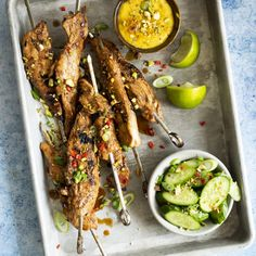 Satays de poulet, sauce au cari - K pour Katrine Fire Food, Tasty, Yummy Food, Exotic Food, Meat Chickens, Creative Food, Veggie Recipes, Chicken Wings, Clean Eating