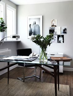 monochromatic office