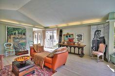 recessed lighting idea for living room for subtle light.