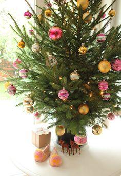 Pretty pink xmas tree by citrusandorange