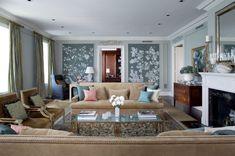 Top 10: #traditionalsofa For Different Room Sitting Areas | Modern Sofas #modernsofas #velvetsofa #blacksofa See more at: http://modernsofas.eu/2016/03/08/10-traditional-sofa-different-room-sitting-areas/
