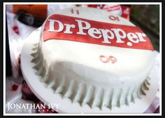 My husband would LOVE this. He has a Dr. Pepper can tattooed on his arm. Dr Pepper Cake, Cake Writing, Backyard For Kids, Cupcake Cakes, Cupcakes, Creative Cakes, Let Them Eat Cake, Cake Designs, Cake Decorating