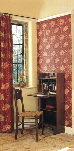 Arts and Crafts in all its purity. Iron curtain pole and rings (nice and clattery) Drapes And Blinds, Curtain Poles, Showcase Design, New Builds, Soft Furnishings, Window Treatments, Upholstery, Cushions, Iron
