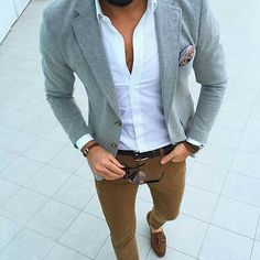 Business casual outfits male style blazer with white dress shirt and tan chinos Mode Masculine, Blazer Outfits, Casual Outfits, Grey Blazer Outfit, Blazer Jacket, Summer Outfits, Gray Blazer Men, Grey Blazers, Casual Wedding Attire